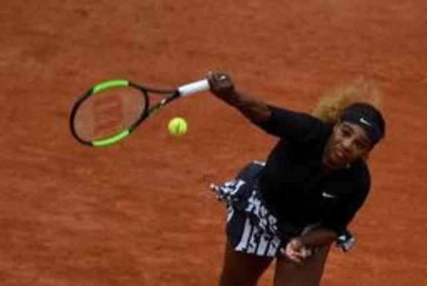 Serena Williams heeft weinig moeite met Japanse qualifier Nara
