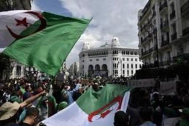 Nouvelle déferlante de manifestants dans le centre d'Alger