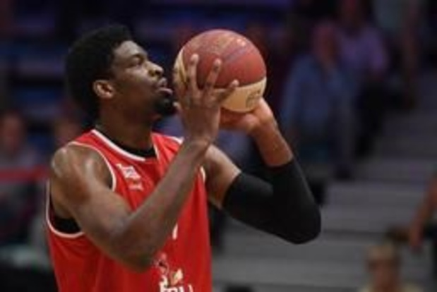 EuroMillions Basket League - Leider Oostende wint vlot van Mechelen