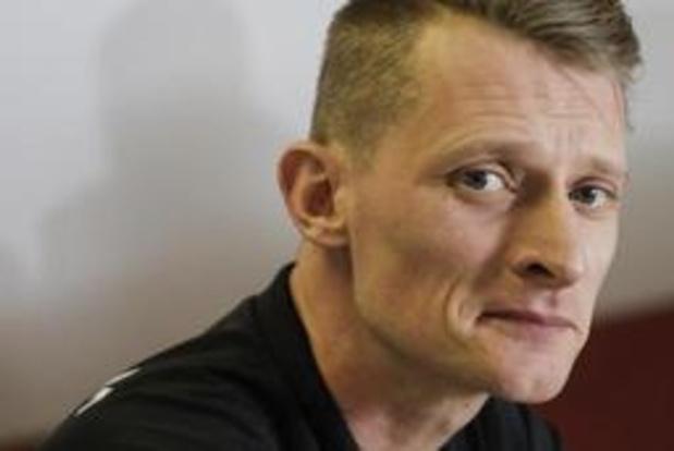 Red Dragons oefenen twee keer achter gesloten deuren tegen Polen