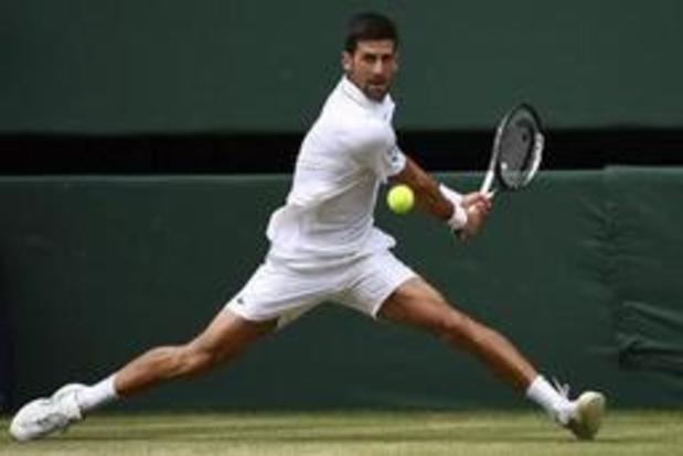 Djokovic grijpt met zege tegen Bautista Agut eerste finaleticket