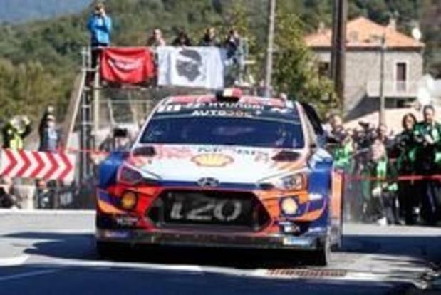 Rally van Corsica - Thierry Neuville steekt hand uit naar zege