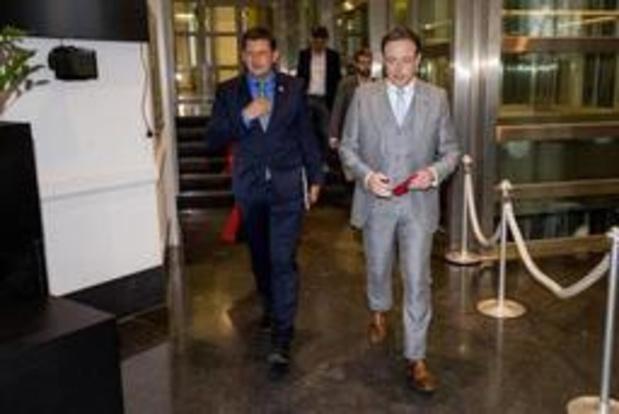 De Wever zet consultaties morgen verder