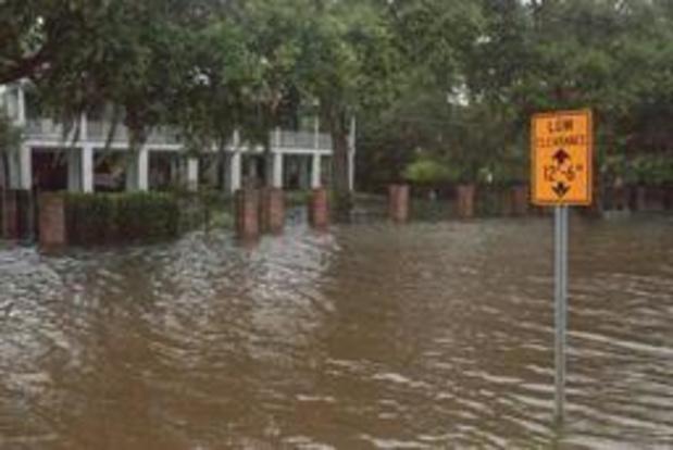 Barry - Storm Barry zwakt in VS af tot tropische depressie