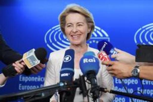 """Von der Leyen démissionnera """"quoi qu'il arrive"""" de son poste de ministre en Allemagne"""