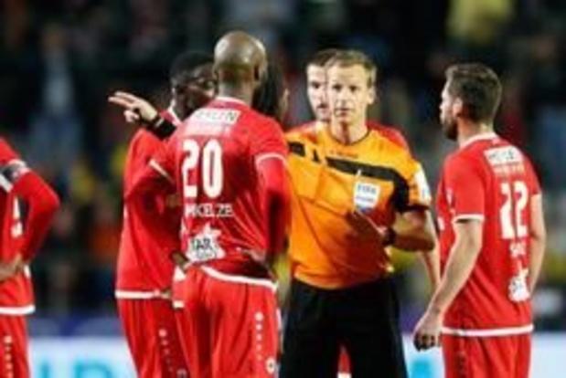 """Antwerp vraagt vrijspraak voor Lamkel Zé: """"Mpoku misleidt de scheidsrechter"""""""