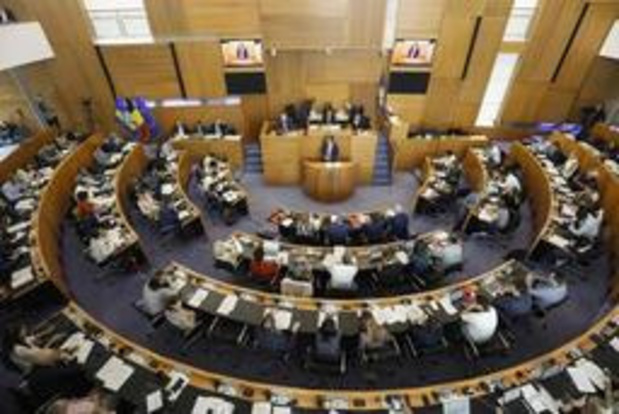 Brussels Parlement geeft regering-Vervoort III het vertrouwen