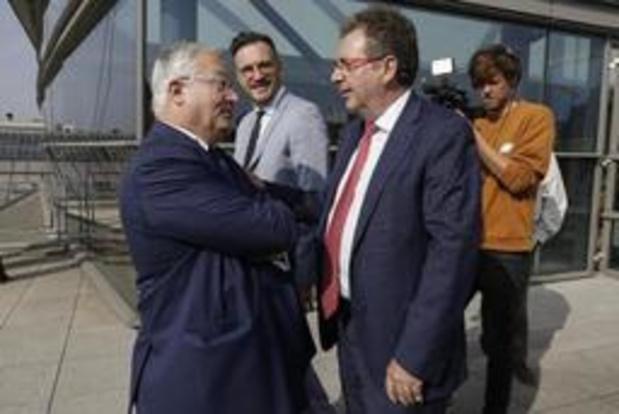 Ministers van de Brusselse regering leggen eed af in het Brussels Parlement
