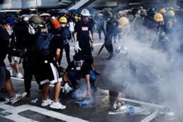 Politie zet traangas in tegen betogers in Hongkong