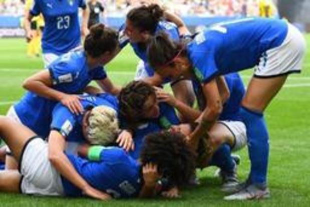 WK vrouwenvoetbal - Engeland en Italië plaatsen zich voor achtste finales