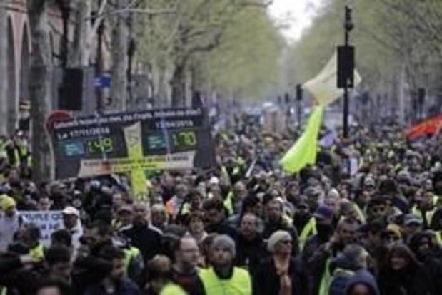 Gilets jaunes: 7.500 manifestants en France à 14H00, dont 1.300 à Paris