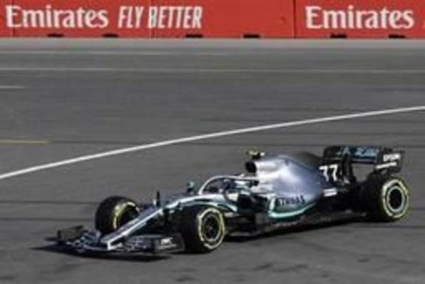 Bottas verzilvert pole en neemt leiding in WK-tussenstand over van ploegmaat Hamilton