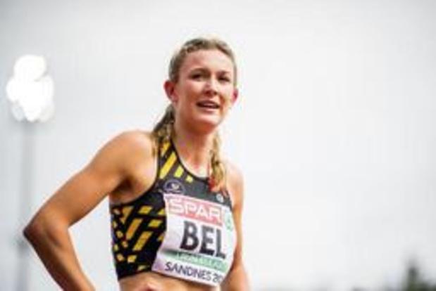 Paulien Couckuyt duikt op 400 meter horden onder WK-limiet, Hanne Claes pakt titel