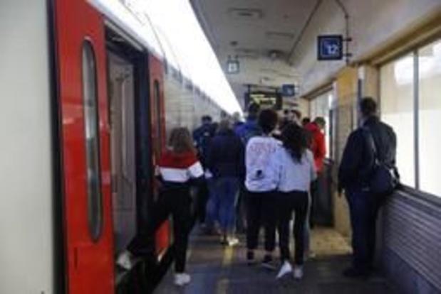 Brussel-Noord ontruimd na bommelding, treinen en metro's stoppen niet in station