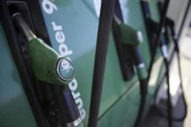 Benzineprijs daalt voor het eerst dit jaar