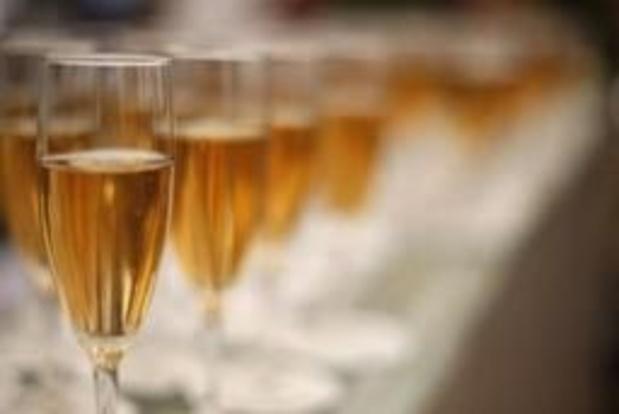 Après avoir limité la casse, le champagne espère le retour des touristes internationaux