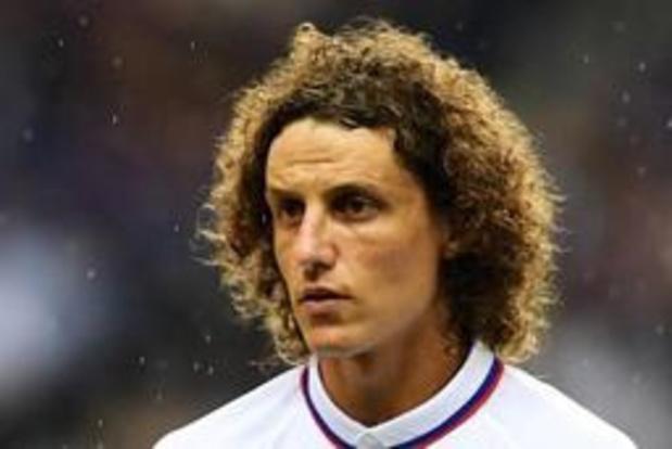 Premier League - David Luiz ruilt Chelsea voor Arsenal
