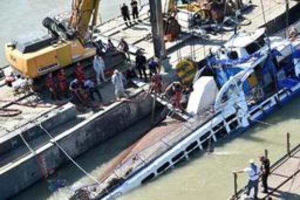 Vier lichamen aangetroffen in geborgen boot