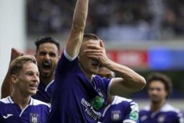 Jupiler Pro League - Anderlecht pakt uitgerekend tegen grote rivaal Standard zijn eerste zege van het seizoen