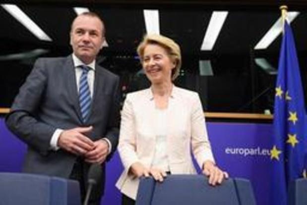 EU-topjobs: Ursula von der Leyen start ronde langs Europese fracties