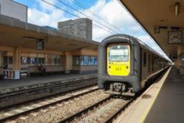 Zoekactie in station negatief, tunnels opnieuw open, wegverkeer verloopt moeizaam
