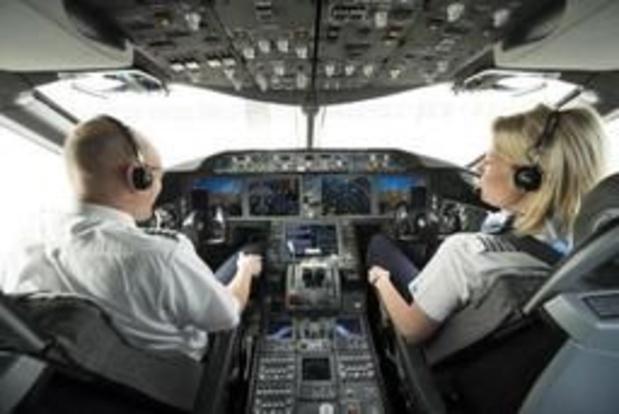 """Piloten vragen """"uitgeruste en emotioneel stabiele"""" luchtverkeersleiders"""