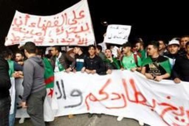 """Stafchef Algerijnse leger wil president Bouteflika """"ongeschikt"""" laten verklaren"""