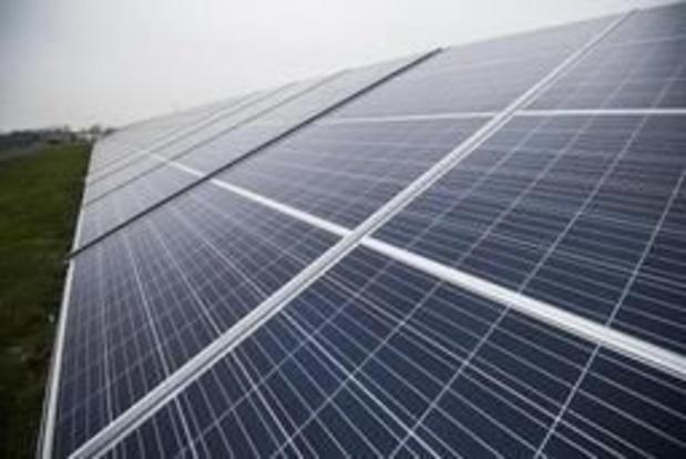 Walmart porte plainte contre Tesla après que des panneaux solaires aient pris feu