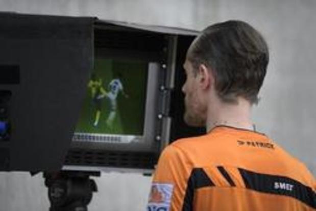 Certaines images du VAR seront diffusées sur les écrans géants des stades
