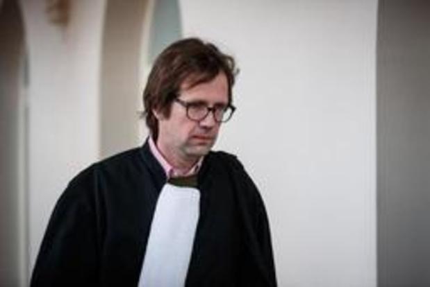 """Fraudeonderzoek Belgisch voetbal - Advocaat van Thierry Steemans kondigt beroep aan: """"Ik wil gans het dossier zien!"""""""
