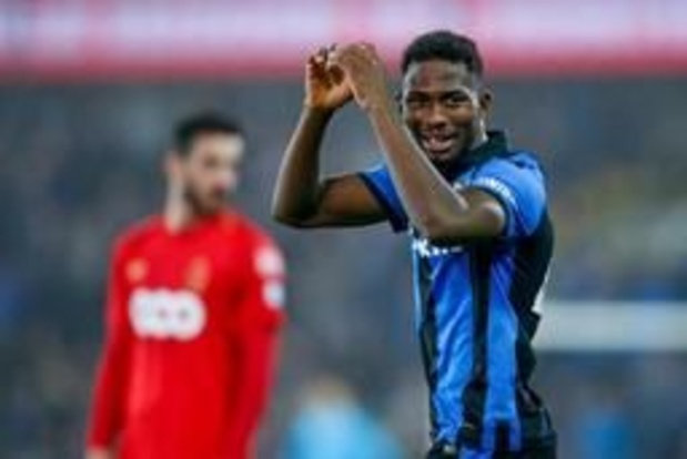 Jupiler Pro League - 4-0 zege tegen Standard brengt Club Brugge weer op één punt van Genk
