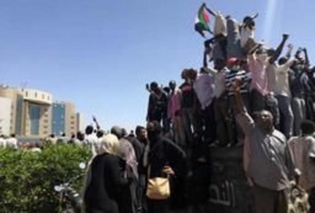 Duizenden Soedanezen betogen weer tegen president Omar al-Bashir