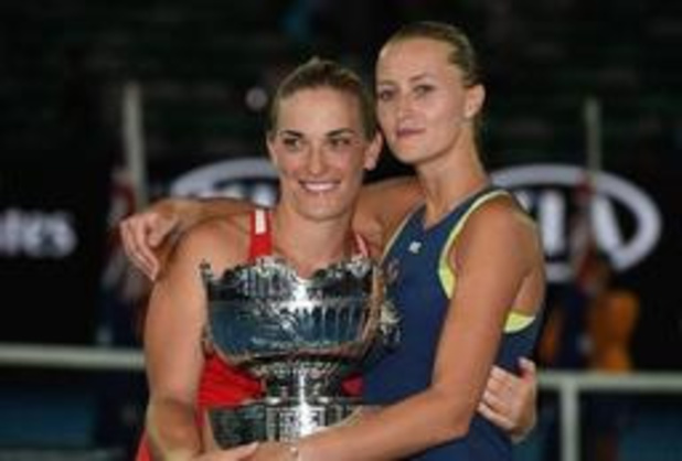 Timea Babos en Kristina Mladenovic steken dubbeltitel op zak