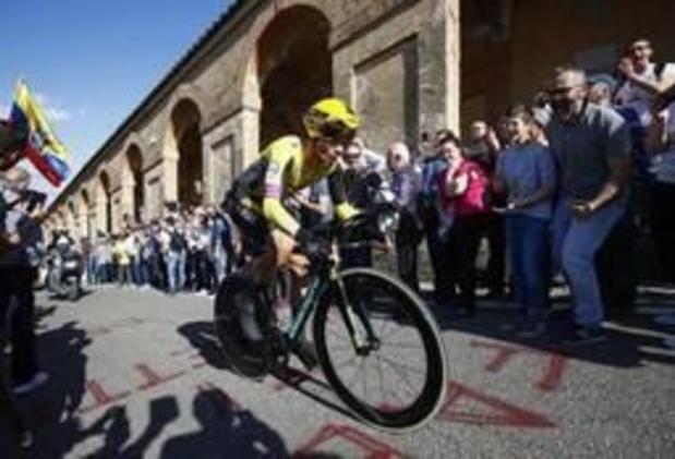 Tour d'Italie - Primoz Roglic frappe d'entrée dans le chrono de Bologne et enfile le premier maillot rose