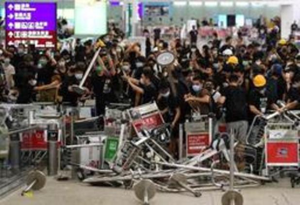 Rust weergekeerd op luchthaven van Hongkong