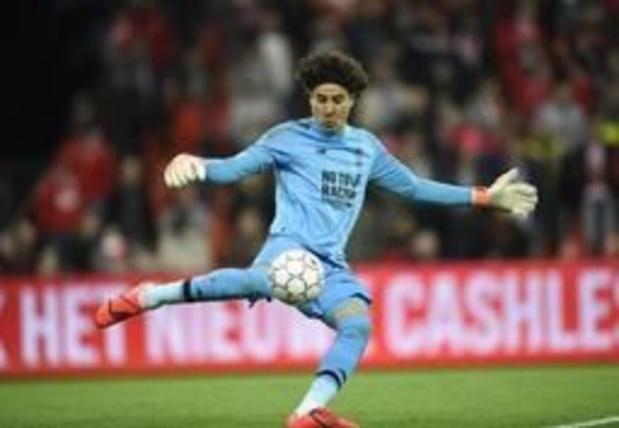 Jupiler Pro League - Doelman Guillermo Ochoa vindt het na seizoen moment om Standard te verlaten