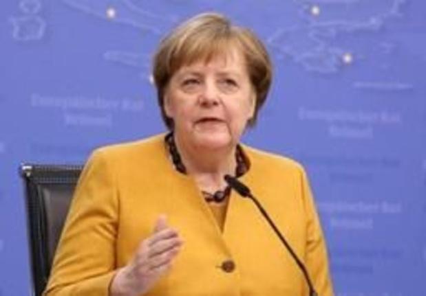 """Merkel promet de """"se battre jusqu'à la dernière heure"""" pour éviter un Brexit sans accord"""