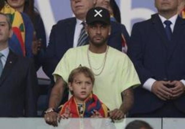 PSG betreurt afwezigheid van Neymar op training