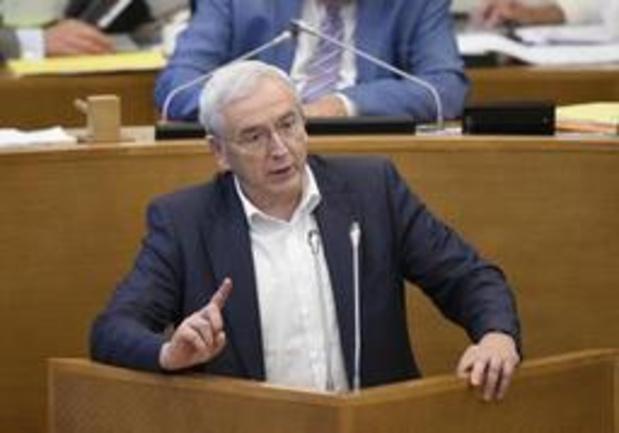 Josy Arens (cdH) overweegt als onafhankelijke te zetelen in de Kamer