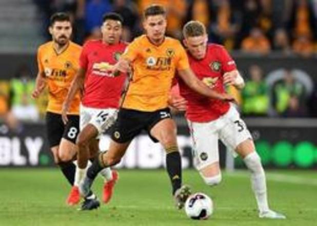 Belgen in het buitenland - Dendoncker helpt Wolverhampton met doelpunt aan vlotte kwalificatie voor groepsfase