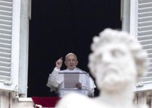 Paus Franciscus wil humanitaire corridors om kwetsbare migranten uit Libië weg te halen
