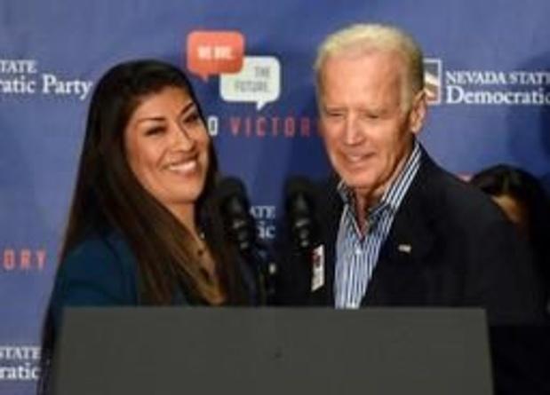"""Joe Biden reageert op beschuldiging: """"Nooit de bedoeling gehad ongepast gedrag te stellen"""""""