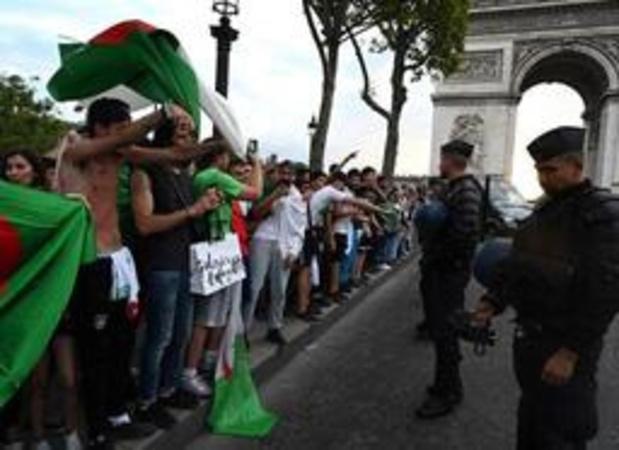 Deux magasins des Champs-Elysées pillés après la victoire de l'équipe de foot d'Algérie
