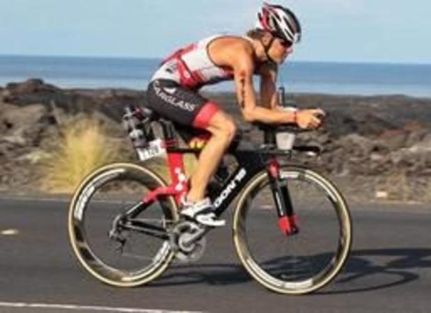 Ironman 70.3 - Tine Deckers goed voor een 5e plaats in Aix-en-Provence, Katrien Verstuyft 6e