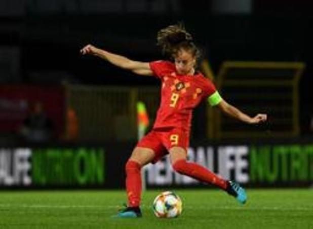 """Kwal. EK voetbal (v) - Tessa Wullaert ziet Flames """"volwassen wedstrijd"""" spelen"""
