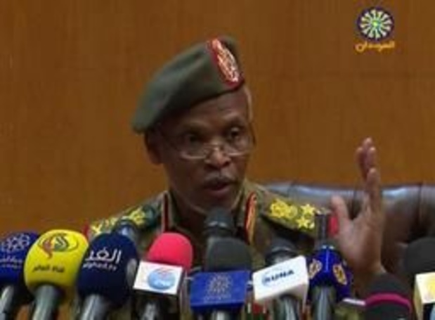 """Soudan: Béchir ne sera pas """"livré à l'étranger"""""""
