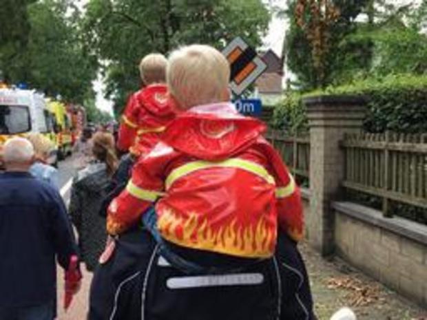 Duizendtal mensen herdenken omgekomen brandweerlui met stille mars