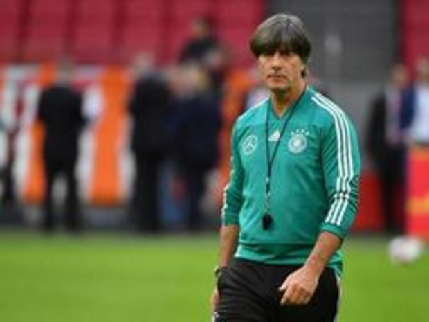 Duitse bondscoach Joachim Löw opgenomen in ziekenhuis, assistent neemt voorlopig over