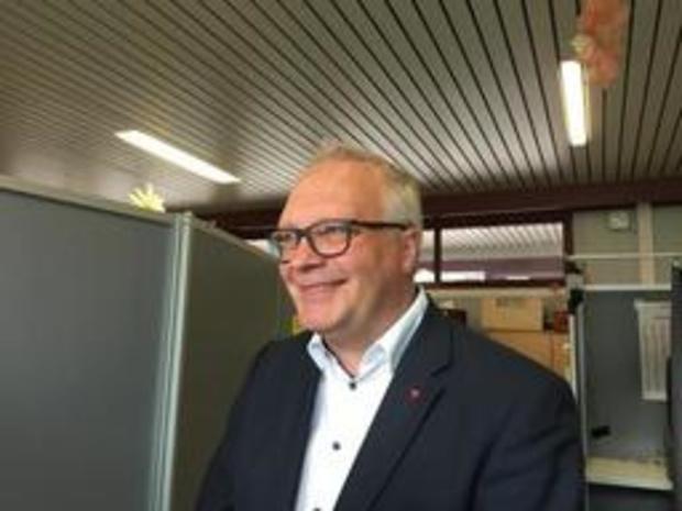 Le président du PVDA (PTB flamand) Peter Mertens vote à Anvers