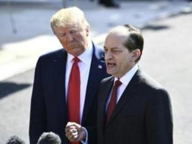 Amerikaanse minister van Werk Acosta stapt op